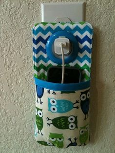 iPhone++iPod+Touch+smart+phone+Docking+Station+/++by+lovelycandy,+$12.00