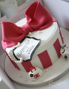 Hat box cake | Hot pink and white with mini chanel bag | Tracy James | Flickr