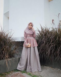Inspirasi outfit kondangan – N&D – Hijab Fashion 2020 Dress Brokat Muslim, Dress Brokat Modern, Kebaya Muslim, Muslim Dress, Hijab Musulman, Hijab Gown, Hijab Dress Party, Kebaya Hijab, Turban Hijab