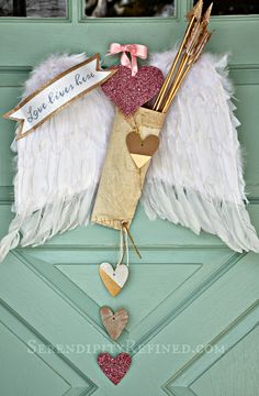 Valentine's day door decor by SerendipityRefined.com