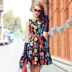 Womens New Autumn Luxury Printed Round Collar Sleeveless Slim Dress European Style A-line Dress
