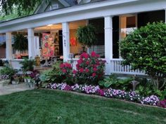 New Landscaping Front Yard Shade Curb Appeal 41 Ideas - Backyard Decoration Front Porch Landscape, Front Yard Garden Design, Front Yard Decor, Garden Yard Ideas, Garden Landscape Design, Front Yard Landscaping, Landscaping Plants, Landscaping Ideas, Front Porch Flowers