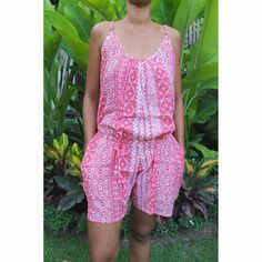 This Playsuit is fantastic to wear, a top to feel free and elegant. Made of very thin, light and soft rayon voile, it is a pleasure to wear it ...