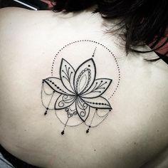 Lotus pontilhismo tattoo
