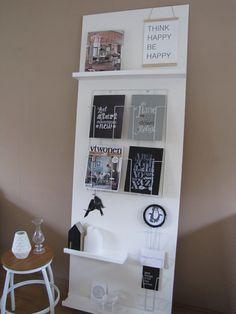 Op een pronkrek kun je al je mooie foto's, posters, kaarten, tijdschriften, boeken en kleine woonaccessoires neerzetten; ideaal als je regelmatig wilt wisselen! Lees op onze blog hoe je deze zelf een kunt maken.