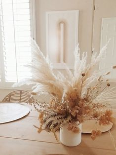 dried florals for fall. / sfgirlbybay - dried florals for fall. / sfgirlbybay one decor element currently catching my eye is dried florals. With texture abounding and beautiful natural muted tones, these arrangements scream fall.