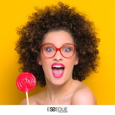 #ESSEDUE #ESSELOVE #PUREITALIANDESIGN #ESSEDUESUNGLASSES #design #designeyewear  #sunglasses #eyewear #eyeglasses #handmadeinitaly #yellow #afrogirl #pop