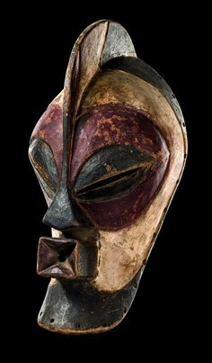 """Mask """"kifwebe"""" from the Songye people of DR Congo Afrique Art, African Sculptures, Art Premier, Art Sculpture, Masks Art, African Masks, Tribal Art, World Cultures, Art Auction"""