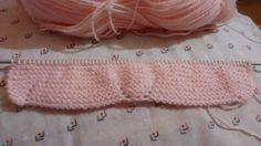TUTORIAL PATUQUITOSMateriales:***  Estos son de punto dos agujas. Si los quereis para recien nacido, usad lana  fina y agujas del 2,50 mm... Dory, Baby Knitting, Knit Crochet, Lana, Kids, Shoes, Pink Shoes, Beanies, Models