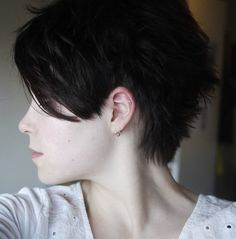 I really want to get my hair cut like this again.  Too bad it makes me look so young that I'm mistaken for a freshman in high school.