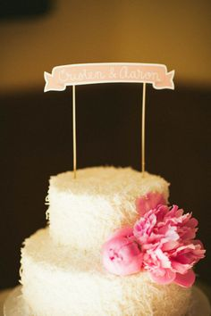 wedding cake with a fun, casual feel  Photography by emilylblake.com