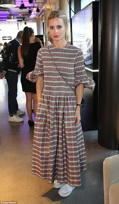 Plaid-ing it simple: Laura Bailey proved her innate style once again on Wednesday as she stepped out in London Laura Bailey, Fashion Corner, Check Dress, Shops, Ootd, Trends, Best Sneakers, Casual Street Style, Casual Dresses