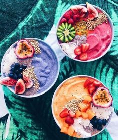 Tropical Acai Bowl Acai bowls have supplanted kale chips as the health food worlds biggest nutritional darling. The post Tropical Acai Bowl appeared first on Star Elite. I Love Food, Good Food, Yummy Food, Tasty, Comidas Fitness, Food Goals, Aesthetic Food, Smoothie Recipes, Vegan Smoothies