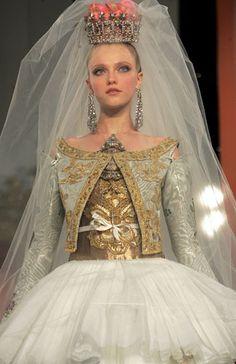Gallery Haute couture: Christian Lacroix