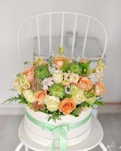"""47 aprecieri, 1 comentarii - Florarie cu gust (@florarie_cu_gust) pe Instagram: """"#florariecugust#pastel#romantica#vscoflowers#vsco#flowers#instagood#insta#moodoftheday#suculent#peach#romania#florist#hatbox#photooftheday#photography#instaphotos"""""""