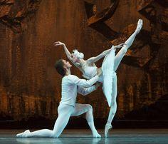 "OLGA SMIRNOVA and DENIS RODKIN ""Swan Lake"", 2016 Bolshoi Ballet London Season Photographer Foteini Christofilopoulou/Dance Tabs (July 29, 2016) ♥♥♥"