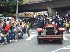 Resultado de imagen para hoy , desfile de carros viejo del bomberos medellin