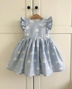 curtidas, 56 comentários – Little sTudio ( keine Instagr… - Trend Center Kids Outfits Girls, Little Girl Dresses, Girl Outfits, Kids Girls, Baby Frocks Designs, Kids Frocks Design, Baby Girl Fashion, Kids Fashion, Baby Dress Design