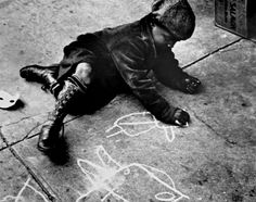 Helen Levitt. Boy Drawing on a Sidewalk #creativity