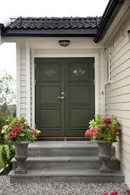 Green, gray, red accents entrances in 2019 дом, дача Grey Exterior, Exterior House Colors, Interior And Exterior, Sweden House, House Shutters, Porch Steps, Painted Front Doors, Grey Houses, Red Accents