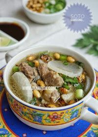 Diah Didi's Kitchen: Soto Bandung Meat Recipes, Asian Recipes, Cooking Recipes, Diah Didi Kitchen, Malay Food, Indonesian Cuisine, Indonesian Recipes, Malaysian Food, Daily Meals