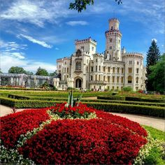 Castelul #Hluboka, Cehia - cand basmele devin realitate - Mihai Photo ( #CzechRepublic #Castles #Schloss #Zamek #Hrad #Castele )