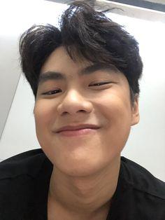 Pretty Boys, Cute Boys, Asian Boy Haircuts, Korean Boys Ulzzang, Soft Wallpaper, Screen Wallpaper, Love Film, Asian Celebrities, Best Actor