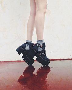 asylum shoes jeffrey campbell boots