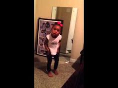 This lil girl snapping like a grown women do her dad. MUST WATCH! Kids Videos, Great Videos, Funny Videos, Cute Gif, Funny Cute, Freaking Hilarious, The Funniest Video Ever, Funny As Hell, Humor