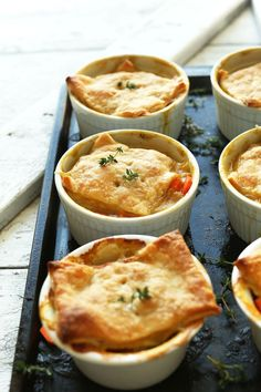 White Bean & Thyme VEGAN Pot Pies in just 10 ingredients! I don't even like white beans, but I'd like to try these!!
