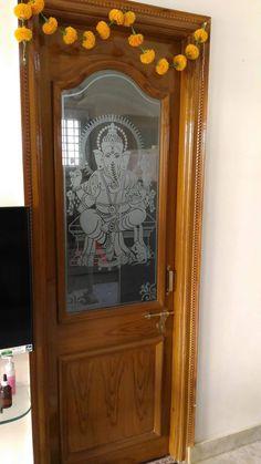 House Main Door Design, Single Door Design, Wooden Front Door Design, Pooja Room Door Design, House Ceiling Design, Bedroom False Ceiling Design, Wooden Doors, Glass Etching Designs, Window Glass Design