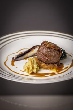 Argentinian tenderloin flamebed in front of your eyes.