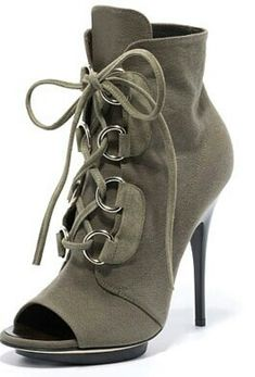 7ccd00cefa34 663 best Heels images on Pinterest in 2018