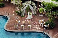 Dreaming for a private Wedding party by the pool? You can make it happened in THE 1O1 Yogya Tugu