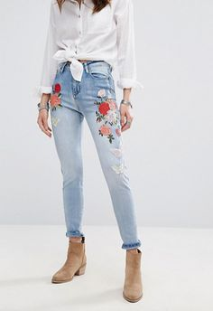 Discover women's jeans at ASOS. Shop our wide range of jeans from boyfriend, mom to skinny & ripped jeans. Jean Outfits, Casual Outfits, Cute Outfits, Latest Fashion Clothes, Fashion Outfits, Fashion Online, Trendy Fashion, Boohoo Jeans, Women's Jeans