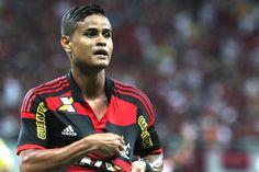Flamengo aproveita erro individual do Vasco e vence a primeira em 2015 #globoesporte
