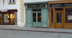 Hallo Leute!   Bei meinen Streifzügen durch den 1. Bezirk von Wien kam ich neulich zu einem kleinen Cafe, das seinem Namen alle Ehre macht. ... Austria Travel, Vienna, Travel Inspiration, Beautiful Places, Sweet Home, Explore, Outdoor Decor, Bucket, Drink Coffee
