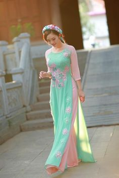 Ao Dai Vietnamese Traditional Dress, Vietnamese Dress, Traditional Fashion, Traditional Dresses, Indian Dresses, Indian Outfits, Modest Fashion, Fashion Dresses, Maxi Outfits