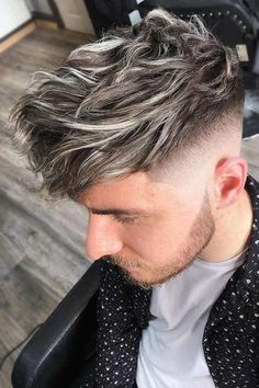 Medium haircuts for men come in a wide array of styles. Check out this helpful style guide for trendy and fun looks for mid-length cuts for men. Men Hair Color Highlights, Hair Color Streaks, Hair Dye Colors, Guys With Highlights, Silver Highlights, Dyed Hair Men, Grey Hair Dye, Men Blonde Hair, Silver Hair Men