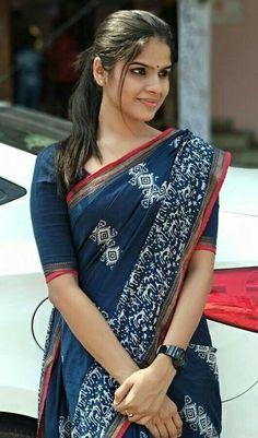 Cotton Saree Elegant Indian Sari CLICK Visit link above for more options Indigo Saree, Indische Sarees, Cotton Saree Designs, Modern Saree, Simple Sarees, Saree Trends, Saree Models, Stylish Sarees, Casual Saree