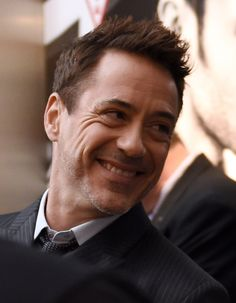 Robert Downey Jr.'s face is so interesting!
