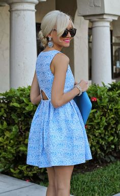 Blogger A Spoonful of Style wearing the Mink Pink Pleasantville Dress | Dresses | Augusta Twenty #minkpink