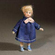 Antique Lilliputian Doll , Antique French tiny mignonette , ganzbiskuit mignonnette