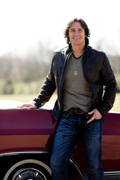 "Country singer Joe Nichols is finding new success with his album ""Crickets."" (Courtesy of Ann-Marie Hensley)"
