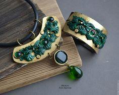 Купить Колье с поталью и изумрудным стеклом - тёмно-зелёный, изумрудно-золотой, зелено-золотой