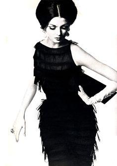 white gloved glamour (Irving Penn, 1962)