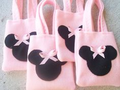MINNIE MOUSE PARTY/felt party bags/ Set of 4 Party favor/ party supplies