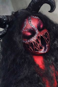 Finding out the scary Halloween makeup idea is essential for having nice look at Halloween celebration. Beautiful Halloween Makeup, Halloween Makeup Looks, Devil Halloween, Halloween Make Up, Halloween Ideas, Halloween Costumes, Devil Makeup, Scary Makeup, Scary Movie Characters