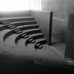 """Best Ideas For Architecture and Modern Design : – Picture : – Description One of two small amphitheaters designed by Tadao Ando within the CRGS """"Gate of Creation"""" building on the UDEM campus in Monterrey, Mexico Amphitheater Architecture, Stairs Architecture, Japanese Architecture, Landscape Architecture, Interior Architecture, Auditorium Architecture, Landscape Stairs, Landscape Model, Concrete Architecture"""
