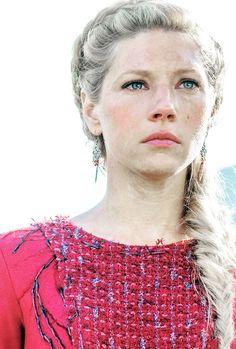 "vikingshistory: "" Lagertha in Season 4 ""                                                                                                                                                                                 Plus"